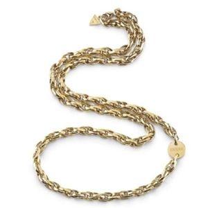 Guess Slušivý pozlacený ocelový náhrdelník UBN29041